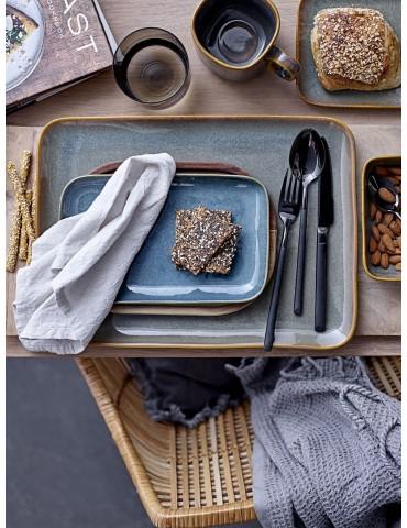 kwadratowa zastawa stołowa