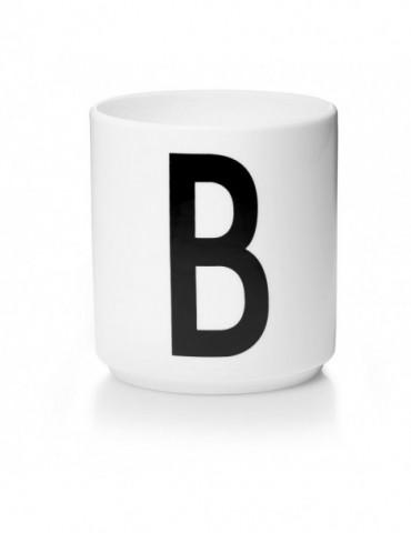 Kubek z literą B