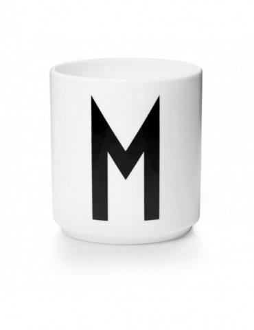 Kubek z literą M
