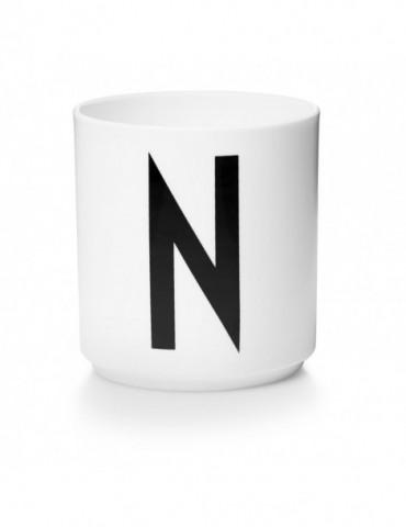Kubek z literą N