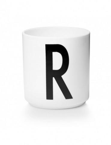 Kubek z literą R