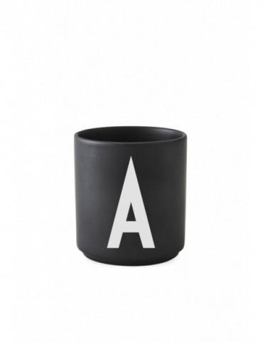 Kubek porcelanowy A Design Letters.