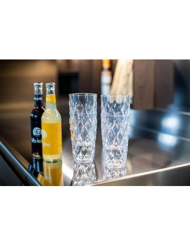 Nowoczesna szklanka z plastiku