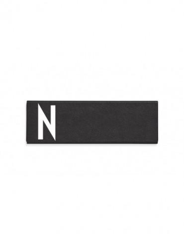 Piórnik z literą N