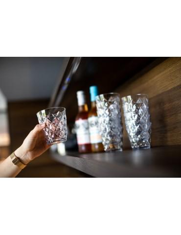 Praktyczne i ładne szklanki z plastiku