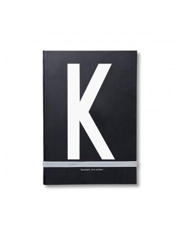 Notatnik osobisty z literą Design Letters. Notatnik z literą Arne Jacobsen