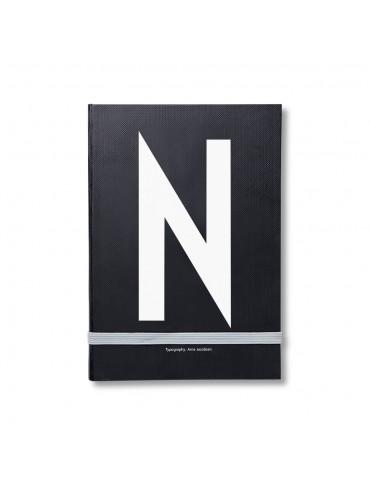 Notatnik z literą Design Latters